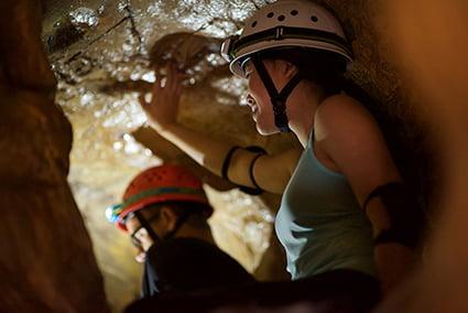 Teamwork in tunnel